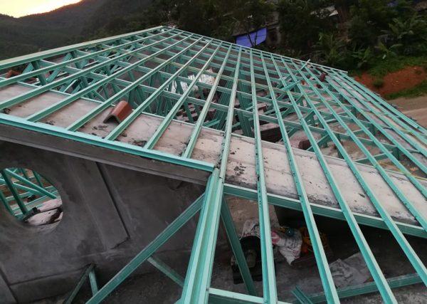 Thi công kèo thép siêu nhẹ cho mái nhà lợp ngói tại hòa bình