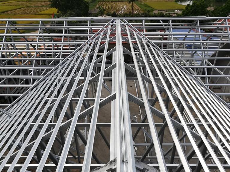 Khung kèo thép mạ nstruss cho mái nhà lợp ngói tại hòa phong- việt trì